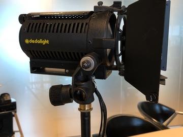 Udlejer: Dedolight SPS3E 3-Light Portable Lighting Kit (220V)