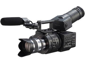 Udlejer: Sony Kamera NEX-Fs700ek med sony 18-200 optik
