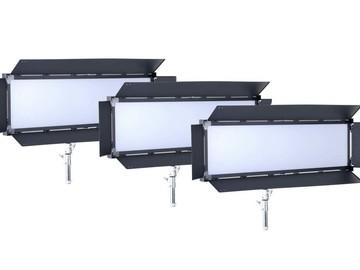 Udlejer: LS V-6000ASVL Victorsoft 1x4 BI-Color LED Panel - 3 stk.