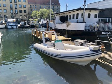 Udlejer: RIB speedbåd