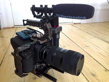 Udlejer: Blackmagic Pocket 4k med Sigma 18-35mm og en Senn.-microport