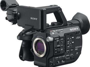 Udlejer: Sony FS5 (Body Only)