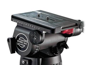 Udlejer: Sachtler Fluid Head with Carbon fibre tripod