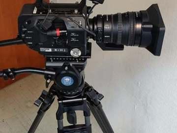 Udlejer: FS7 PAKKE (camera, lens, tripod, mic)