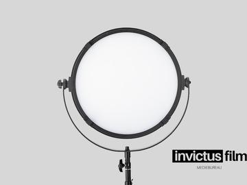 Lender: LS VR-2500ASVL VICTORSOFT 18 LED Panel, inkl. Stativ