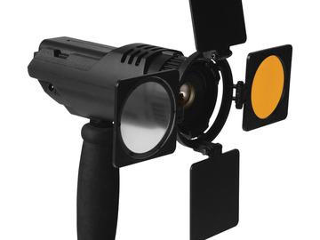 Lender: ikan iLED6 Zoom ENG LED On-Camera Light