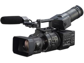 Lender: Sony NEX-FS700R