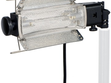 Lender: Lowel Tota-Light Tungsten Flood Light (120-240 VAC)