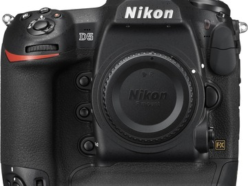 Lender: Nikon D5