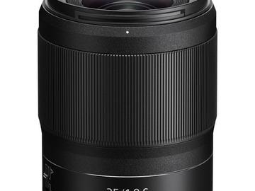 Lender: Nikkor Z 35mm f/1.8 S