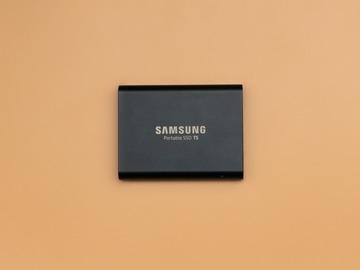 Lender: Samsung T5 SSD 1TB