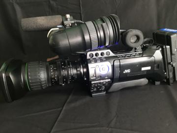 Lender: JVC  700 camera incl 14x4.4 objectief