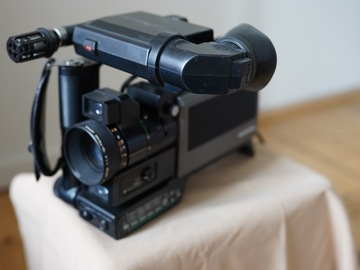 Lender: Olympus VX 303 from 1983 with Panasonic NV180 portable VHS