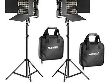 Lender: NEEWER Belysning 660 LED