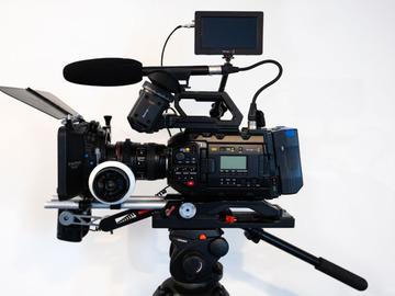Lender: BLACKMAGIC URSA MINI PRO G2 - EF/PL - (Shooting Kit)