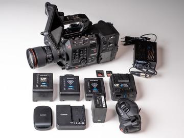 Lender: Canon C500 mkii + 2 Lenses + vMount Extension 2