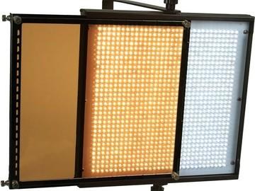 Lender: FloLight 1024 LED Panel