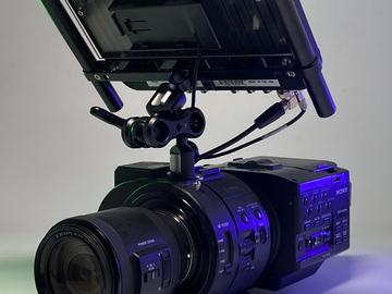 Lender: Sony FS700 RAW pakke med Sony 18-200 servo zoom optik