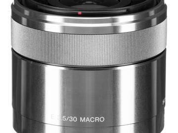 Lender: Sony E 30mm f/3.5 Macro Lens