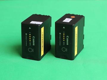 Lender: 2x Battery for C100 C300 mk1 XF100 XF105 XF300 XF305 RED KOMODO (Canon BP-975)