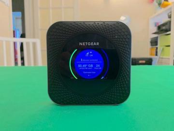 Lender: NETGEAR 4G Gigabit modem LAN & WIFI without SIM for live streaming /MR1100-100 MIFI