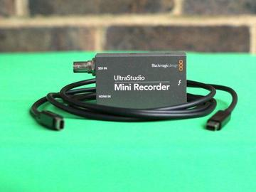 Lender: Blackmagic UltraStudio Mini Recorder with Thunderbolt 2 cable (live stream & record) 1.5G
