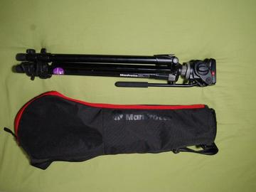 Lender: Manfrotto 055 XDB tripod with HDV 701 head in Manfrotto bag (for MILC, DSLR)