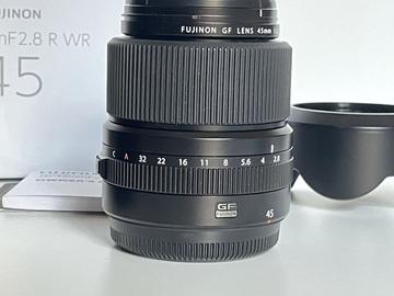 Lender: Fuji GF80 and GF45mm lenses